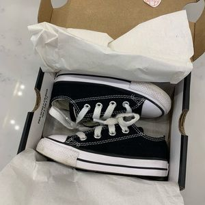 Toddler size 6 Converse black and white